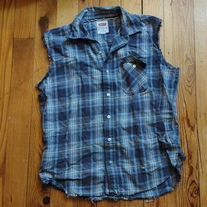 vintage distressed levi's muscle shirt